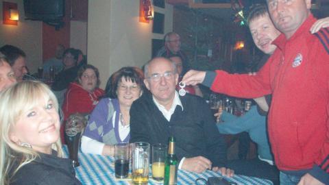 """Fanclubbesuch """"Seehaus"""" mit Christbaumversteigerung"""
