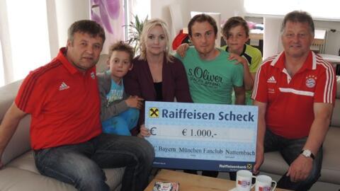 Spendenübergabe an Familie Stögermüller