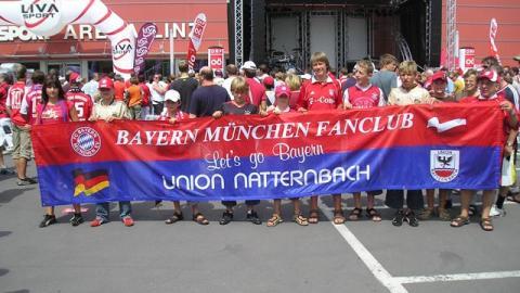 GD Dr. Franz Gasselsberger von der Oberbank Linz wird Mitglied bei unserem Fanclub