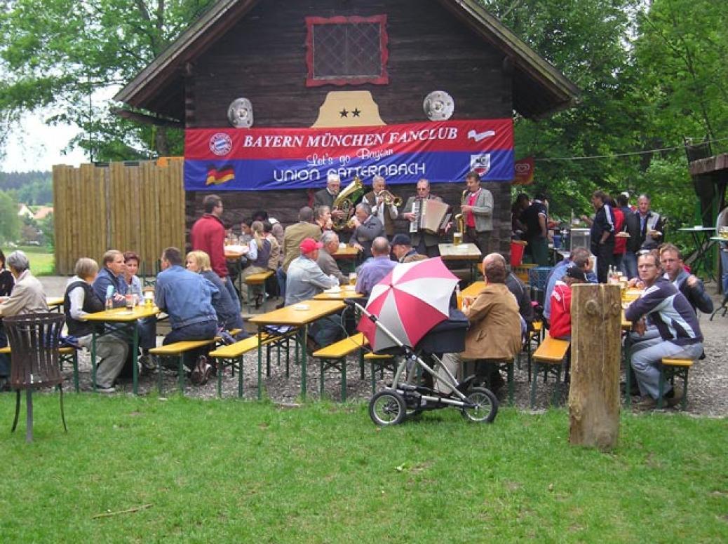 """Meisterfeier unseres Fanclubs in Natternbach """"Indianerspielgelände""""   Beginn 16.00 Uhr!!!!"""