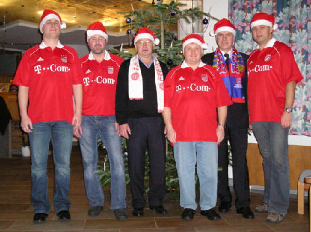 Ein frohes und friedvolles Weihnachtsfest und für das neue Jahr 2006 alles Gute, viel Glück, Gesundheit und Erfolg wünschen wir Ihnen und allen unseren Mitgliedern !!!
