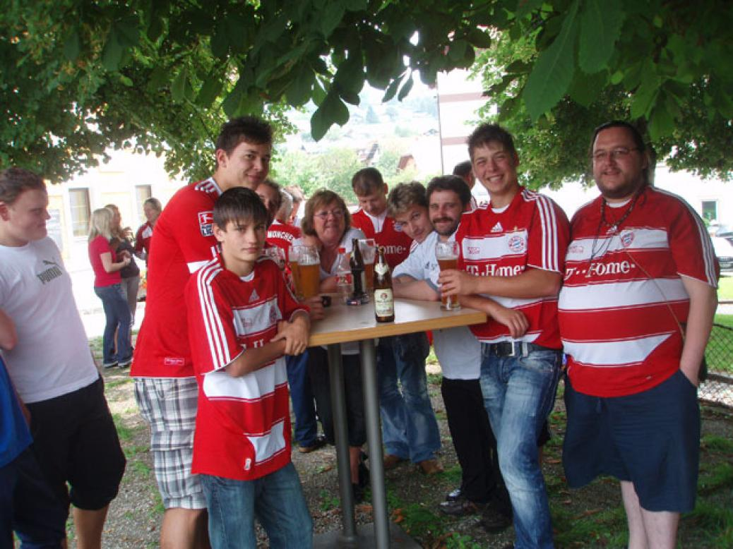 """Zeltfest Natternbach, Besuch der Fanclubs """"Seehaus"""" und """"Pomperlbuam"""""""