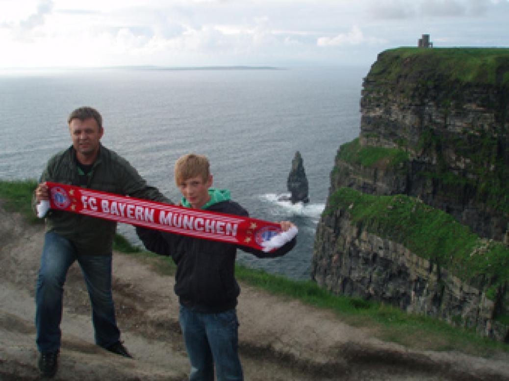 Obmann Hannes Obernhumer auf Reisen in Irland