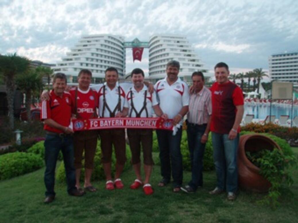 Bayern-Fanclubmitglieder auf Urlaubsreise in der Türkei