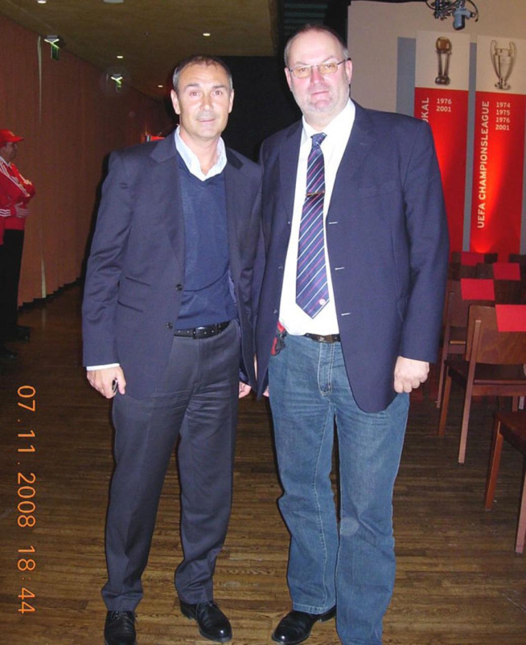 Vorstand Gerald Stutz bei der JHV des FC Bayern München