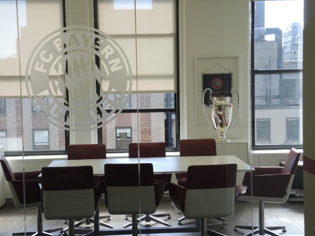 Zu Besuch im FC Bayern Büro in New York