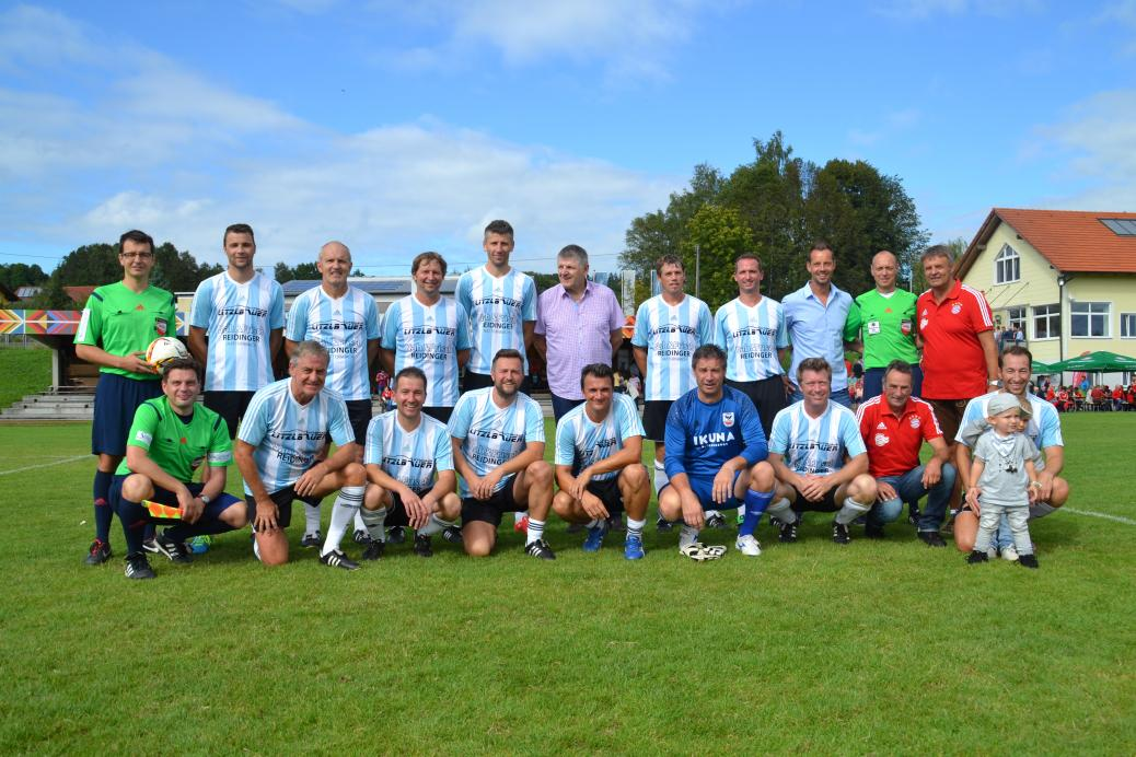 Fussball Legenden vs Fanclub Auswahl