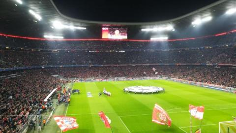 FC BAYERN  –  FC Sevilla
