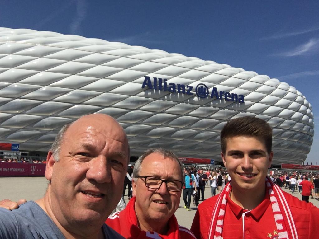 Eintracht Frankfurt Weihnachtsfeier.Fc Bayern Vs Eintracht Frankfurt Fc Bayern München Fanclub Natternbach