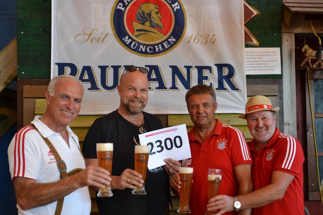 Dr. Albert Schmidbauer wurde 2300 Mitglied