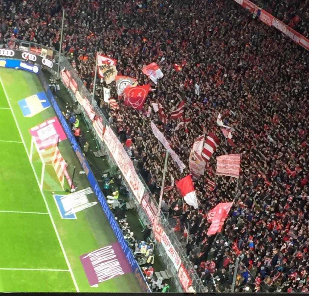 Fc Bayern Wünscht Frohe Weihnachten.Frohe Weihnachten Und Ein Glückliches Neues Jahr 2019 Fc Bayern