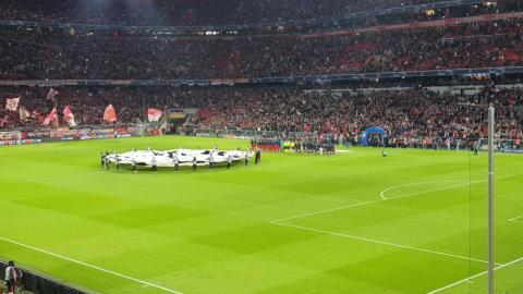 FC BAYERN  vs  Roter Stern Belgrad