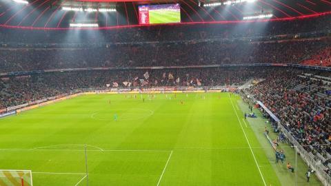FC BAYERN  vs  Olympiacos Piräus